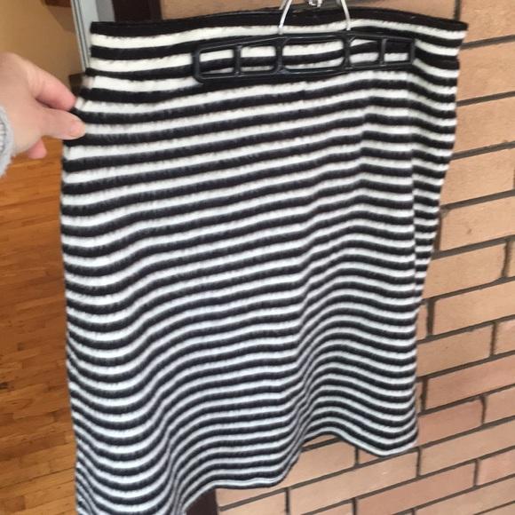 Anthropologie Dresses & Skirts - Anthropologie Skirt Size 14